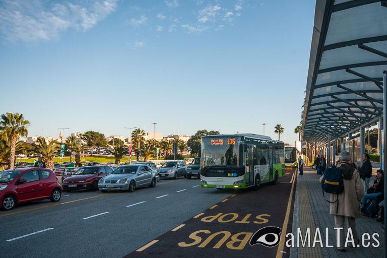 parada de autobuses del aeropuerto de Malta